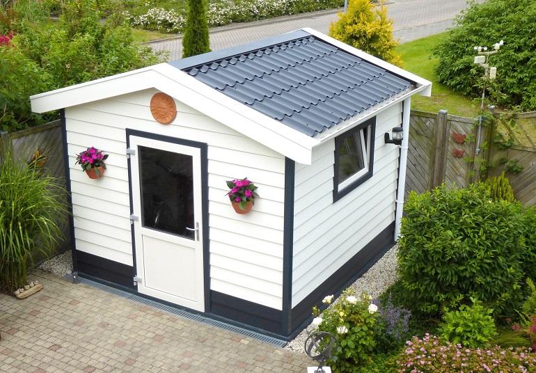 Gartengerätehaus aus Kunststoff nach Maß bestellen und selber bauen.